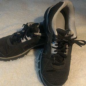 Nike Dual Fusion ST2 kid's shoe